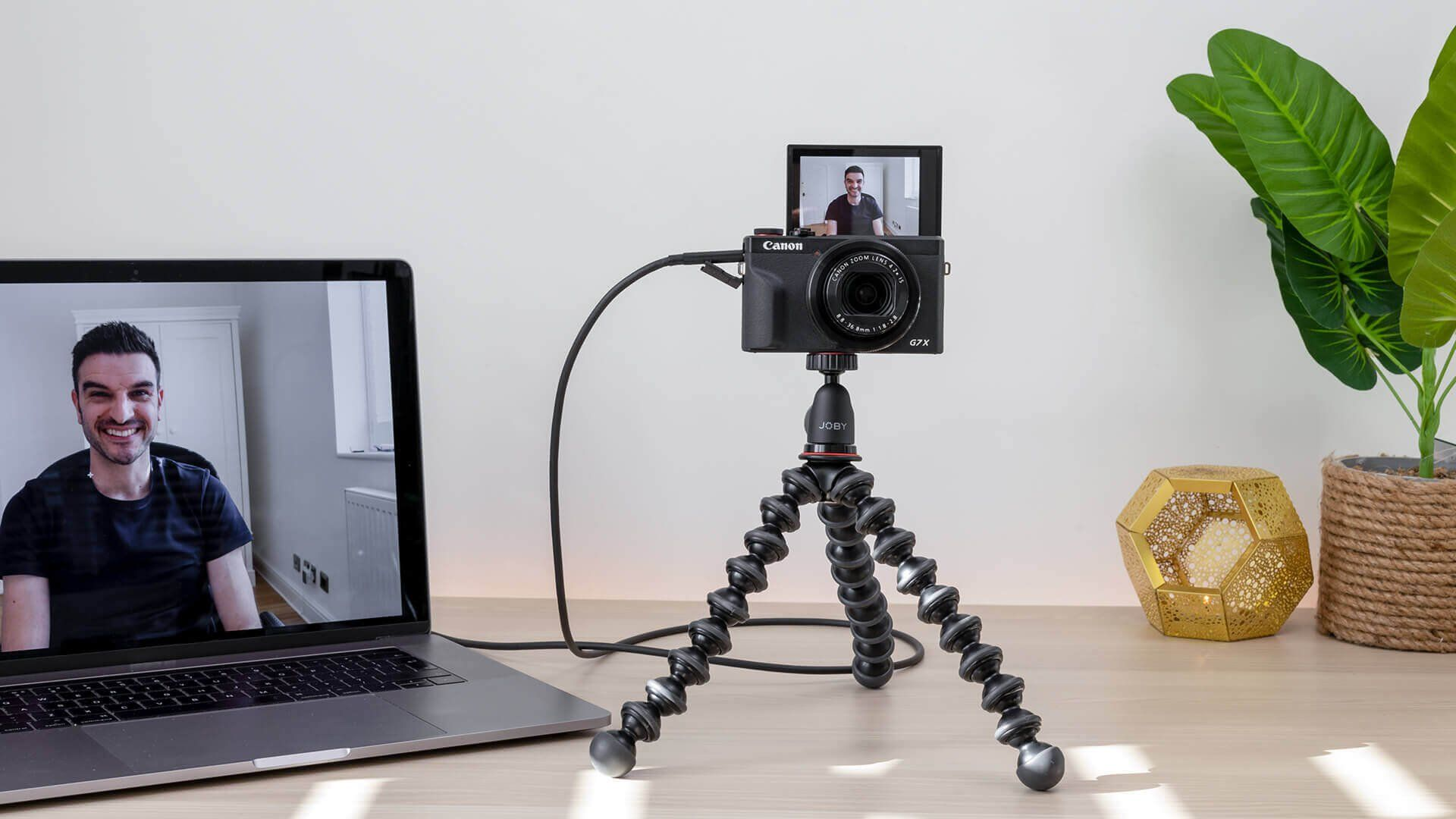 How to use your Canon camera as webcam!